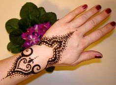 Henna Mehndi is traditionally used by South Asians.Find pakistani, indian henna mehndi patterns and tatoos Eid Mehndi Designs, Latest Mehndi Designs, Mehndi Designs For Hands, Simple Mehndi Designs, Henna Tattoo Designs, Tattoo Ideas, Mehndi Images, Mehndi Tattoo, Henna Kunst