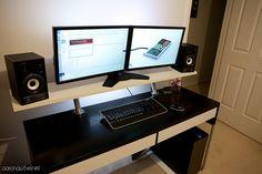 Ikea MICKE Desk Hack by aaronactive.net, via Flickr
