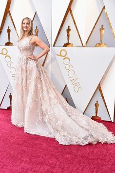 Oscars 2018: How Margot Robbie's Chanel Dress Came Together