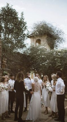 The rustic wedding date trend is still going successful, so every single day I know much more unique projects and inspiration floating around the world. Perfect Wedding, Dream Wedding, Wedding Day, Bridesmaid Inspiration, Wedding Inspiration, Wedding Decor, Rustic Wedding, Wedding Styles, Wedding Photos