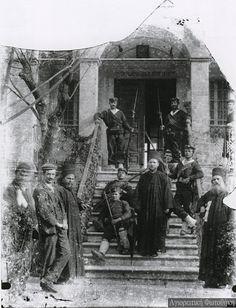 Φωτογραφίες των Ελληνικών Στρατευμάτων εντός του Αγίου Όρους, τις πρώτες ημέρες μετά την Απελευθέρωση (Νοέμβριος 1912) - Pentapostagma.gr : Pentapostagma.gr