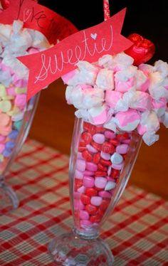Make a Valentine's Day Candy Centerpiece By Dollar Store Crafts My Funny Valentine, Valentine Treats, Valentine Day Love, Valentine Day Crafts, Valentine Decorations, Homemade Valentines, Teacher Valentine, Valentine Party, Holiday Treats