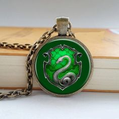 Are you a Harry Potter Fan? 100% BRAND NEW AND HIGH QUALITY!! Length: 44cm Pendant Size: 3.6cm x 2.8cm Type: Pendant Necklace Material: Zinc Alloy