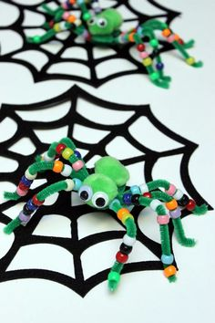 Here are 8 beautiful crafts to make with children to celebrate Halloween ! – Children's DIY – Tips and Crafts Here are 8 beautiful crafts to make with children to celebrate Halloween ! – Children's DIY – Tips and Crafts Toddler Crafts, Preschool Crafts, Kids Crafts, Craft Projects, Craft Ideas, Party Crafts, Boy Diy Crafts, Craft Activities, Family Activities