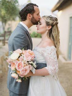 So much elegance: http://www.stylemepretty.com/2015/02/02/elegant-santa-barbara-jewish-wedding/ | Photography: Lane Dittoe - http://lanedittoe.com/