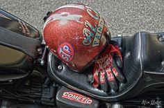 Gli strumenti del divertimento  #harley #dyna #streetbob #helmet #customhelmet #guanti #mechanix #cometic #freedom #motorcycle #motocicletta
