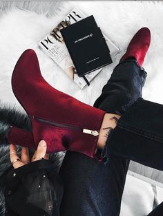 10 zapatos que te servirán durante todo el año - 10 zapatos que te servirán durante todo el año - High Heel Boots, Heeled Boots, Bootie Boots, Shoe Boots, High Heels, Fancy Shoes, Cute Shoes, Me Too Shoes, Shoes Sneakers