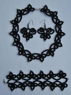 Frivolité. Armband, ketting en oorbellen. Tatting, bracelet, necklace en earrings. www.mijnwebwinkel.nl/winkel/made-by-stientjen