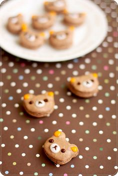 Rilakkuma Macarons - I cannot eat this! Cute Food, Good Food, Yummy Food, Macarons, Dessert Bars, Dessert Recipes, Dessert Food, Eat This, Creative Food