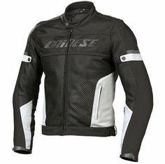 Dainese montlar ile güvenli sürüş...  http://www.motosikletaksesuarlari.com/DAINESE-Giyim_br_200