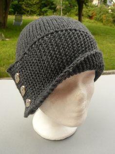 Ich habe es noch nie geschafft, mir mal rechtzeitig etwas für den Herbst oder Winter zu stricken. Dass ich mir auch mal ein Paar Handschuhe, eine Mütze oder einen Schal stricken könnte, fällt mir n...