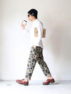 "Cap;DECHO 別注""CITYLIGHTS DENIM LOGO CAP"" Eyewear;Buddy Optical × CITYLIGHTS ""DARTMOUTH""(NAVY×GOLD MIRROR) Shirts;BLACK&BLUE ""OX ZIPシャツ""(WHITE/2) Bottoms;CURLY ""JZ CAMO TROUSERS""(TAUPE CAMO/2) Shoes;Paraboot ""CHAMBORD""(MARRON/7.5) Bag;MATATABI 別注""CITYLIGHTS PAPER CLUTCH S"""