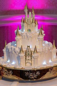 Why Is Walt Disney World Wedding Cakes So Famous? - Why Is Walt Disney World Wedding Cakes So Famous? - walt disney world wedding cakes Wedding Cake Prices, Cool Wedding Cakes, Beautiful Wedding Cakes, Wedding Cake Designs, Wedding Cake Toppers, Disney Castle Cake, Cinderella Castle, Disney Cakes, Castle Cakes