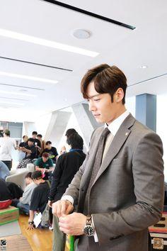 더위 많이 타는 최진혁이 여름을 나는 법 (특별출연 - 핑꾸 선풍기) : 네이버 포스트 Choi Jin Hyuk, Asian Actors, Korean Actors, Beautiful Boys, Pretty Boys, Jang Nara, Francisco Lachowski, Boys Over Flowers, Action Film
