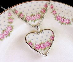Broken china jewelry by Laura Beth Love Smycken Hantverk 536cee5089b0c