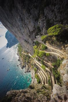 The walkway down to the beach in Capri, Italy : travel