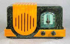 1940s Addison Green/Yellow Catalin Radio