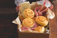 Ořechovo-čokoládové řezy | Apetitonline.cz Sans Gluten, Dairy, Cheese, Food, Essen, Meals, Yemek, Eten