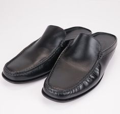 TODS Slip on Black Leather Shoes Slides Loafers Mules ITALY 39.5 9.5 #Tods #LoafersMoccasins