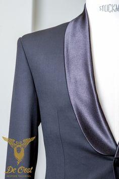 Smoking met contrast shawl kraag. Tuxedo with contrasting shawl collar.