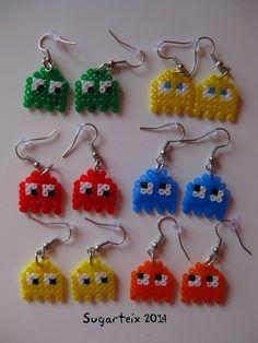 Colección de pendientes de fantasmitas del PacMan en hama mini. Si te gusta puedes adquirirlo en nuestra tienda on-line: http://www.mistertrufa.net/sugarshop/ Ver más en: http://mistertrufa.net/librecreacion/groups/hama-beads/