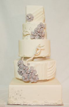Vera Wang Inspired by Anna Elizabeth Cakes, via Flickr