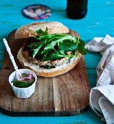 __thai-chicken-burger-3