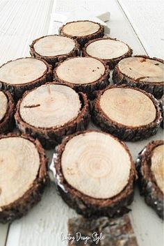 How to make a wood slice tree in under 30 minutes - Country Design Style Do It Yourself Furniture, Do It Yourself Crafts, Christmas Love, All Things Christmas, Christmas Ideas, Diy Junk Projects, Craft Projects, Do It Yourself Organization, Arts And Crafts For Adults