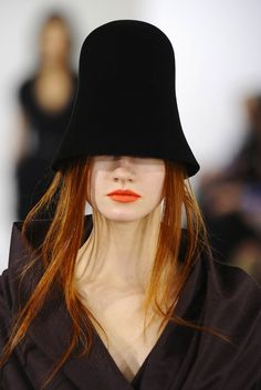 Oscar De La Renta Fall 2013 - Labios Naranjo Matte - Orange Matte Lipstick
