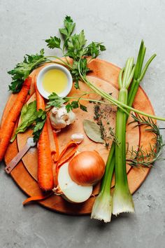 An easy, recipe for homemade vegetable broth! The perfect way to use up vegetable scraps and skins to make delicious broth for soups and more! How to make the BEST Vegetable Broth! 1 pot, use up old vegetable scraps, BIG flavor! Baker Recipes, Baby Food Recipes, Whole Food Recipes, Soup Recipes, Cooking Recipes, Healthy Recipes, Celery Recipes, Cooking Hacks, Budget Recipes