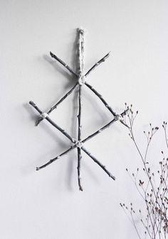Protection . Décoration murale viking rune de par BoudoirDuChaman