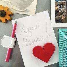 La Mamma si porta sempre nel cuore. Avete già deciso cosa regalarle per il suo giorno speciale?  #NAPKINFOREVER #FestadellaMamma