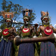 Highland tribe - Papua New Guinea by Eric Lafforgue, via Flickr