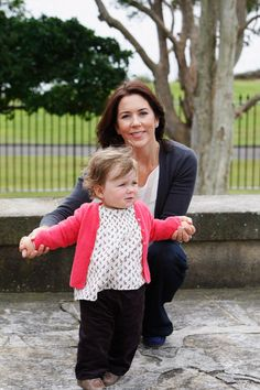 Princess Mary Photos Photos - Their Royal Highnesses Crown Princess Mary and Princess Isabella of Denmark pose during a media call at Government House on September 4, 2008 in Sydney, Australia. This will be the final public appearance for the Danish Royal family during this visit to Australia. - Danish Royals Attend Sydney Photo Call