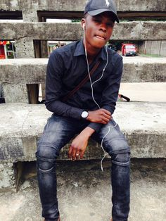 Hi! It's Hyrish Blog: Popular UNILAG student and blogger, Oloyede Damilo...
