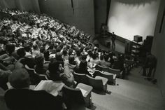 Blah? Traditional lecture classes have higher undergraduate failure rates than those using active learning techniques, new research finds.