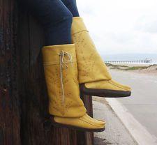 MANITOBAH MUKLUK Mid Gatherer Boots VIBRAM Shearling Leather Yellow sz 8