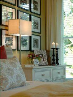 10 ways to display bedroom frames great ideas ev dekorasyonu Home Bedroom, Bedroom Decor, Dream Bedroom, Master Bedroom, Bedroom Furniture, Bedroom Wall, Bedroom Ideas, Pretty Bedroom, Wall Decor