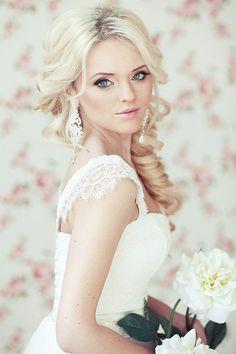 Bridal hair - Romantic - Clean Curls