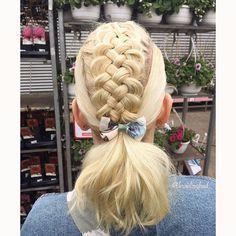 "Heli sanoo Instagramissa: ""#fivestrandbraid into a #ponytail 🌸🌼🌸🌼 . . . #braidinghair #braidideas #braidingbad #instabraids #lettikampaus #trenzas #peinados…"""
