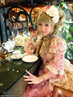 A Princess Lolita takes tea