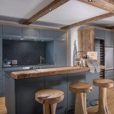 Küche & Essbereich Kitchen, Table, Furniture, Home Decor, Feels, Kitchen Black, Interior Design Kitchen, Apartment Kitchen, Kitchen Contemporary