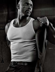 Idris Elba photo by Craig McDean for Interview Magazine. Craig Mcdean, Idris Elba, Gorgeous Black Men, Beautiful Men, Dead Gorgeous, Look At You, How To Look Better, Actor Idris, Male Fashion Trends