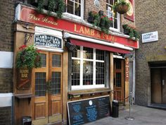 Lamb and Flag, the oldest pub in Covent Garden, established in the 16th century.
