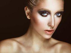 Colores metalizados: la moda que se impone en maquillaje para verano - Terra México