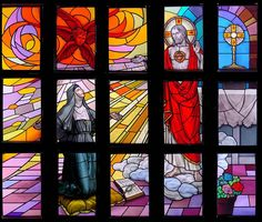 Sacred Heart of Jesus appearing to St Margaret Mary, Eucharist Adoration Chapel, St Margaret Mary Parish, Neenah, WI. Stained Glass Designs, Stained Glass Projects, Mary Flowers, Girls Bible, St Margaret, Heart Of Jesus, Pentecost, Eucharist, Unique Doors