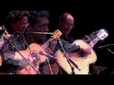 Una de las melodías más bellas de México. Me encanta. Los Folkloristas - Tierra Mestiza (45 años DVD)