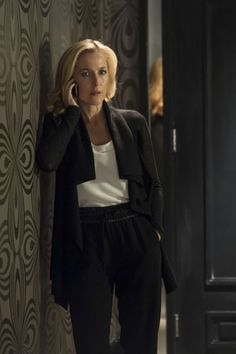 outfit - Gillian Anderson, The Fall