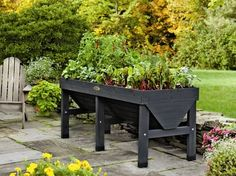 This charcoal vegtrug patio garden planter is just lovely! All nature and gardening enthusiasts will surely love to have this in their garden! Patio Garden Ideas On A Budget, Diy Patio, Wood Patio, Patio Roof, Concrete Patio, Patio Ideas, Rustic Patio, Patio Privacy, Patio Swing