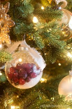 Beautiful snowy cranberry Christmas ornaments.  SO pretty and easy to do.